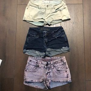 3 pairs of women's shorts